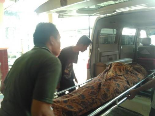 Breaking News: Hantam Bagian Belakang Truk, Tukang Bakso Keliling Tewas di Tarahan