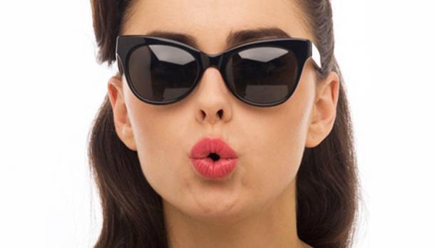 Bukan Hanya Soal Gaya, Kacamata Hitam Juga Baik Untuk Kesehatan