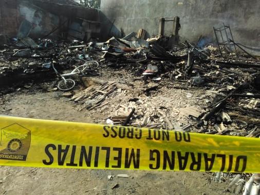Kebakaran di Jalan Antasari, Gang  Waru 1, Kedamaian, Bandar Lampung, Jumat 13/5/2016. | Andi Apriyadi/Jejamo.com