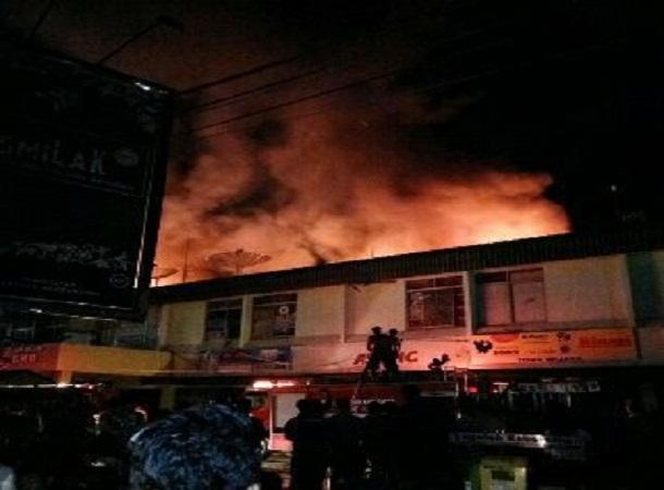 Kebakaran Pasar Induk Pringsewu, Selasa malam, 17/5/2016 | ist