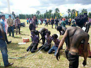 "Mahasiswa IAIN Raden Intan Lampung ""Dirantai"" di Lapangan Korpri"
