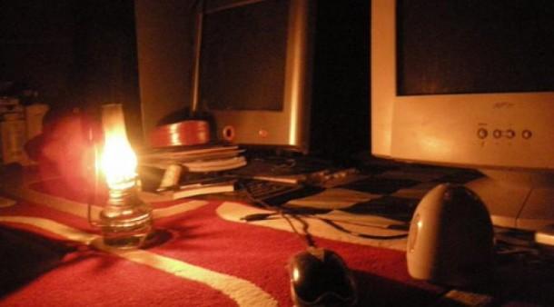 Tiga Rumah Semipermanen Jalan Antasari Bandar Lampung Terbakar