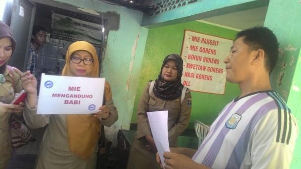 Tiga Rumah Makan Mie Pangsit di Kota Metro Menggunakan Olahan Babi