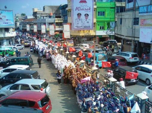 Massa Pawai Simpatik Ramadan FKAR-Forkapmi Bandar Lampung Sumbang Rp1,7 Juta untuk Aleppo
