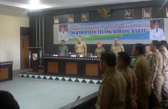 Rakor PTSP (Pelayanan Terpadu Satu Pintu ) se-Provinsi Lampung di Ruang Rapat Bupati Tubaba, Selasa 31/05/2016 | Mukaddam/jejamo.com
