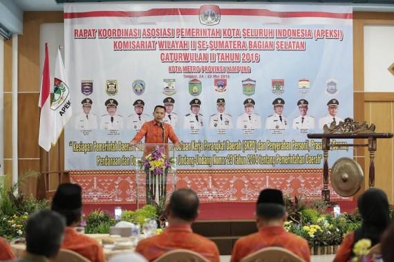 Gubernur Lampung Ridho Ficardo Beri Arahan Wali Kota Se-Sumbagsel