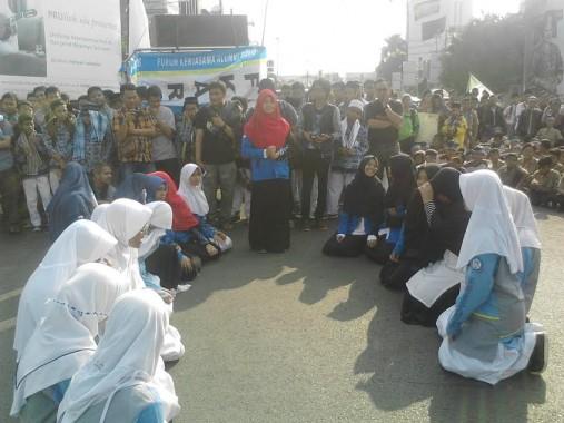 Guru SMAN 2 Bandar Lampung Rita Aprilyawati Orasi Pawai Simpatik Ramadan