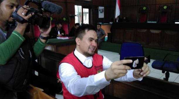 Saipul Jamil selfie saat sidang