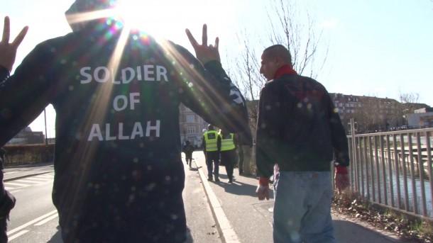 Cerita Wartawan Prancis yang Berhasil Menyusup ke Jaringan ISIS