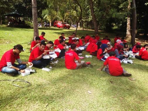 Sebanyak 60-an karyawan Indihome Telkom Area Lampung mengadakan kegiatan kumpul bareng bertajuk Teman Jambore Avenger/DSHR Witel Lampung, Senin, 23/5/2016. | Robi Brammana/Jejamo.com