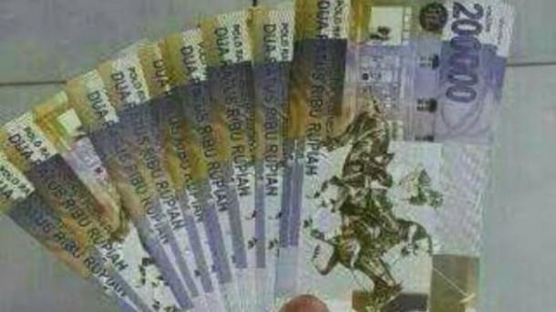 Uang Pecahan Rp 200.000,-