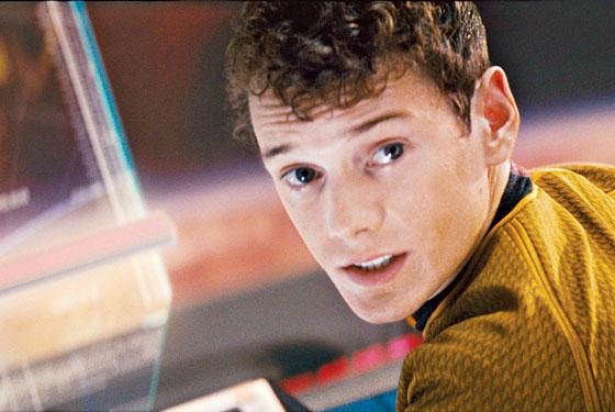 Aktor Muda Pemain 'Star Trek' Anton Yelchin Tewas Terhimpit Mobilnya Sendiri
