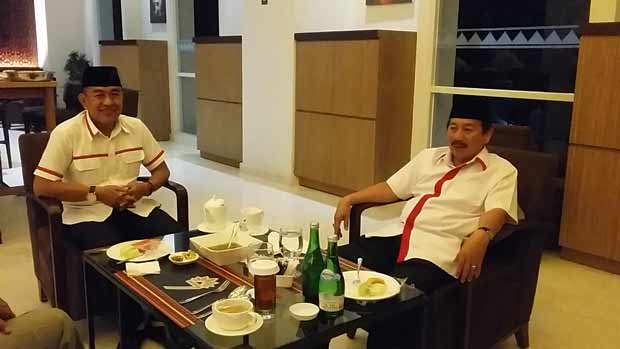 Usai Bebas, Cik Raden Buka Puasa Barang Wali Kota Bandar Lampung Herman HN