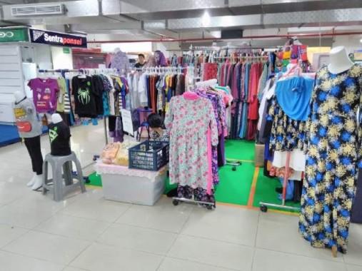 Dress dan Khimar Lebar Diklaim Banyak Diminati Pelanggan 7eveshop MBK Bandar Lampung
