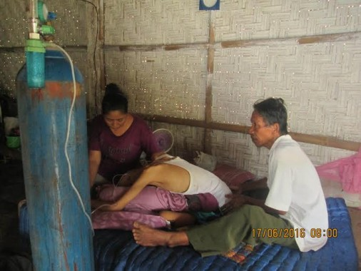 Derita Remaja Penderita Kanker Tulang dan Paru-paru dari Lampung Timur