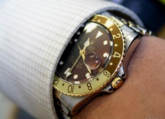 Perawat Diadili Karena Curi Jam Rolex dari Pasien yang Sedang Sekarat