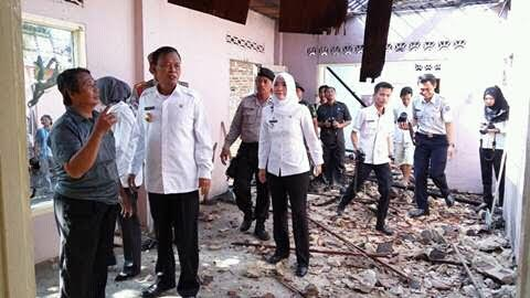 Wali Kota Metro Pairin Bantu Rp15 Juta Korban Kebakaran di Hadimulyo Barat