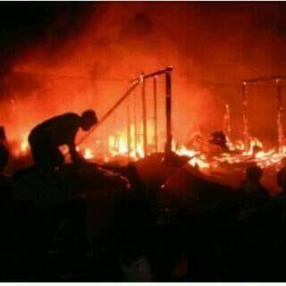 Breaking News: Pasar Bukit Kemuning Terbakar, 7 Ruko Ludes Dilalap Api