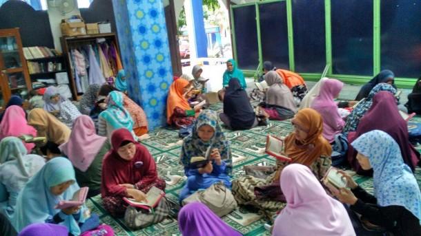 Mau Hafal Juz 30? Ikuti Tari Saman Ala UKMF Ibroh IAIN Raden Intan Lampung