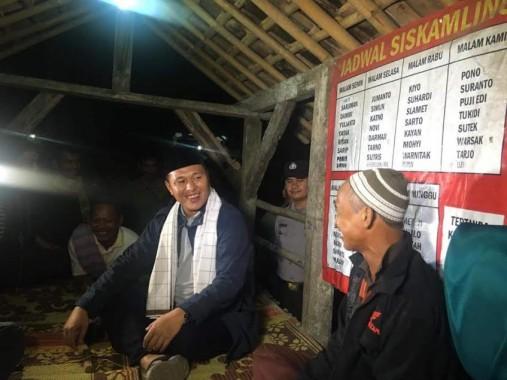 Bupati Lampung Timur Chusnunia Chalim Komitmen Bantu Imam Jaenuri Penderita Kanker Tulang