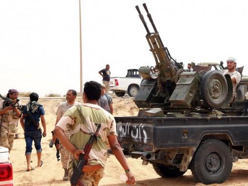 Pasukan pemerintah Libya Memerangi ISIS di Kota Sirte