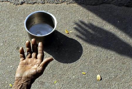 Ustaz Suryani Menjawab: Beri Pengemis yang Fisiknya Kuat Ikut Andil Bikin Mereka Malas