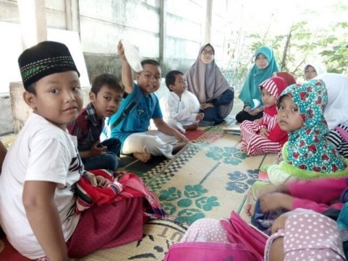 Sehari Baca Dua Juz, Anggota Majelis Taklim Al Karomah Kedamaian Bandar Lampung Khatam Baca Alquran