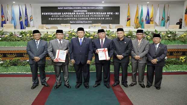 Rapat paripurna penyerahan laporan BPK RI atas Keuangan Pemprov Lampung | Sugiono/jejamo.com