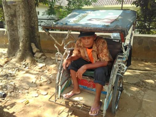 Sana, tukang becak di Bandar Lampung. | Andi Apriyadi/Jejamo.com