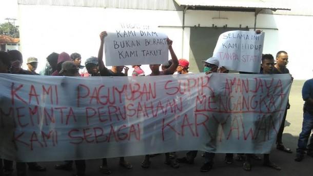 Ratusan Sopir Aman Jaya Perdana Bandar Lampung Demo Tuntut Diangkat Karyawan