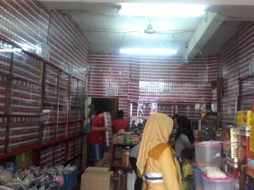 Toko Manisan Rasa Baru di Kotabumi Lampung Utara. | Buhairi Aidi/Jejamo.com