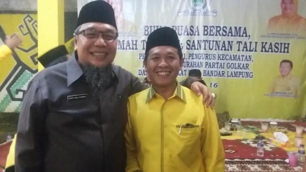 Ketua DPD II partai Golkar kota Bandar Lampung Yuhadi (kanan ) bersama Tony Eka Chandra |Tama/jejamo.com