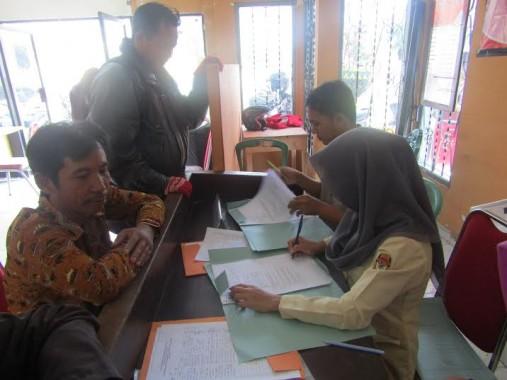 Komisi Pemilihan Umum (KPU) Tulang Bawang Barat melakukan rekruitmen petugas panitia pemilihan kecamatan (PPK) dan Panitia Pemungutan Suara (PPS) hingga tanggal 25/6/2016 | Mukaddam/jejamo.com