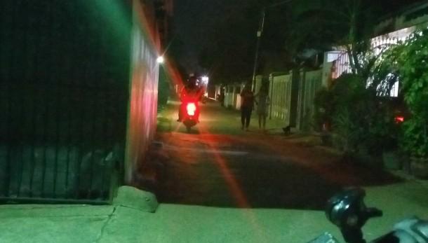 Aktivitas di salah satu sudut eks lokalisasi Pemandangan, Panjang, Bandar Lampung. | Sugiono/Jejamo.com