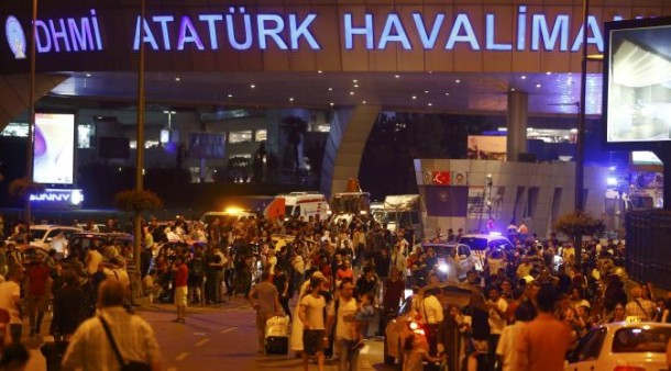 Potongan Tubuh dan Darah Berserakan di Bandara Ataturk Istambul, Turki