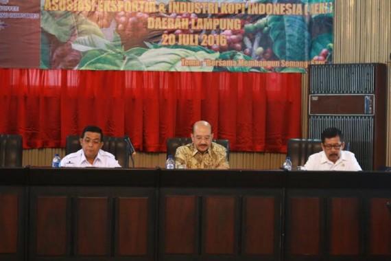 acara RUA IX AEKI Daerah Lampung di Gedung AEKI Jl. Patimura Teluk Betung Bandar Lampung, Rabu 20/7/2016 | ist