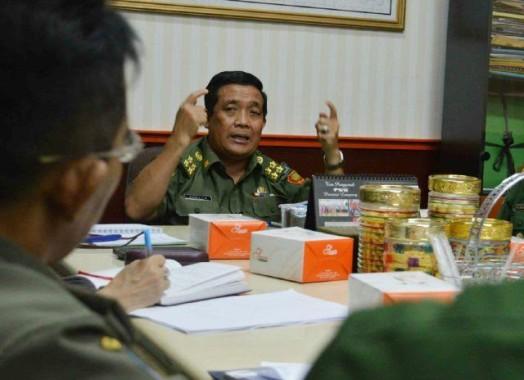 Gelapkan Dana Insentif Ketua RT dan Linmas, Lurah Bandar Jaya Timur Diminta Mundur
