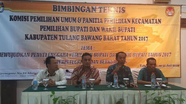 KPU Tulang Bawang Barat Gelar Bimtek kepada Anggota PPK dan Sekretariat