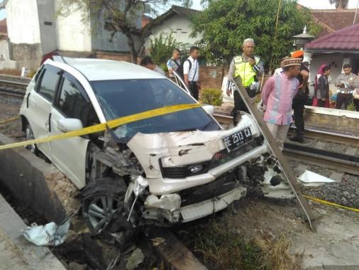 BREAKING NEWS: Tim Gegana Ledakkan Tas Diduga Bom di Bandara Radin Inten II Lampung