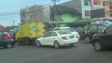 Mati Lampu, Arus Kendaraan di Jalan Pangeran Antasari Bandar Lampung Macet