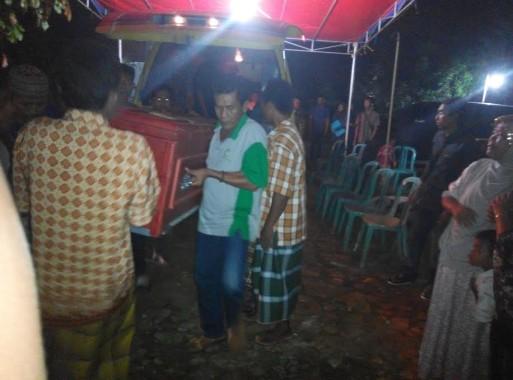 Vega Lampung Club Bagikan 100 Takjil di Sukarame