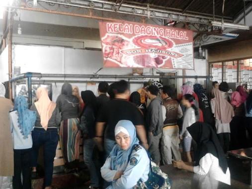Ini Alasan Orang Membeludak Beli Daging Sapi di Son Haji Sony Bandar Lampung