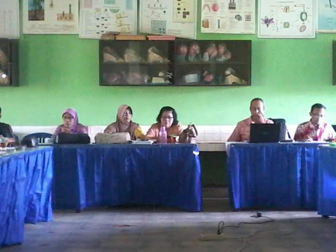 Suasana Coffee Morning di Ruang Guru SMPN 1 Sekampung | Suparman/jejamo.com