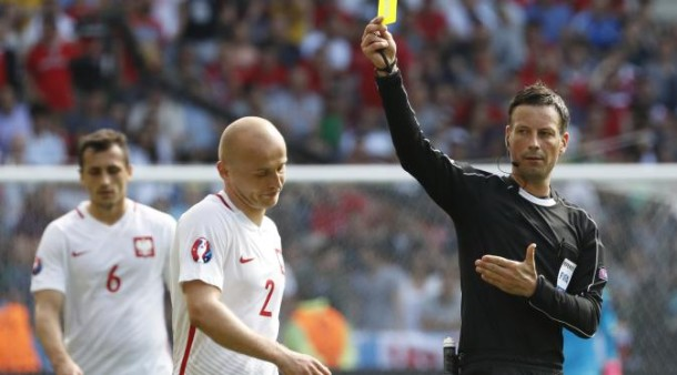 Mark Clattenburg. | Reuters