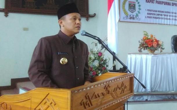 Masyarakat Kotabumi Antusias Lihat Pawai HUT Ke-70 Lampung Utara