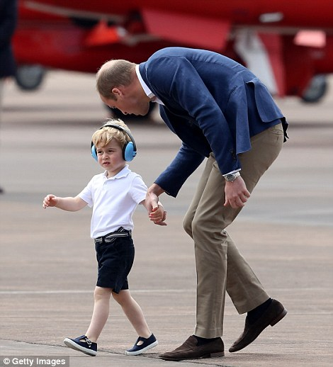 Gaya busana Pangeran George | Getty Images