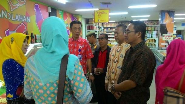 Swalayan Chandra Kota Metro Jual Bakso Tahu Berformalin dan Daging Sapi Mengandung Mikroba