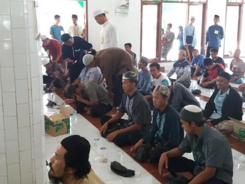Ratusan Warga Ikuti Pengobatan Ruqyah di Masjid Agung Al-Amin Tulangbawang Barat