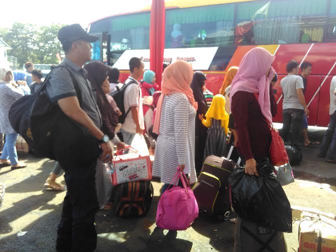 Terminal Rajabasa Bandar Lampung Masih Ramai Penumpang Arus Balik