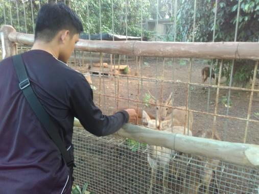 Sampah Menumpuk Depan Kantor Disdukcapil Lampung Utara